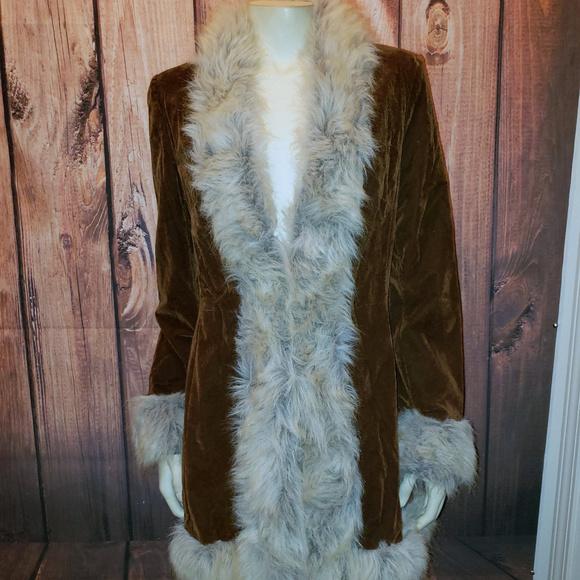 baa8db910 WET SEAL Vintage 70s Style Faux Fur Coat, Medium